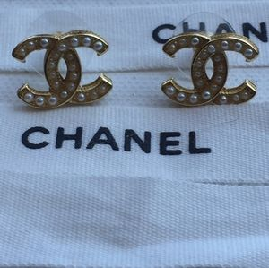 Pearl Chanel Authentic Earrings